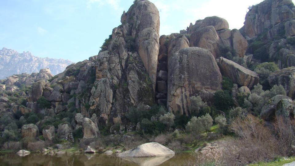 Bafa Gölü Kayaları